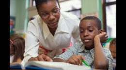 teacher_helping_student