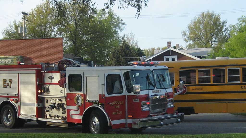 5 injured in Md  school bus-car accident – Voxitatis Blog